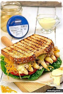 Sandwich de Esparragos: Pan de molde con semillas + espárragos + tomate + lechuga +  ventresca + huevo hilado +  aceite + mayonesa https://www.cidacos.com/index.php?id=69&tx_ttnews[tt_news]=67&cHash=b1fd8af2355a2ea4ab9e82080b78e00d