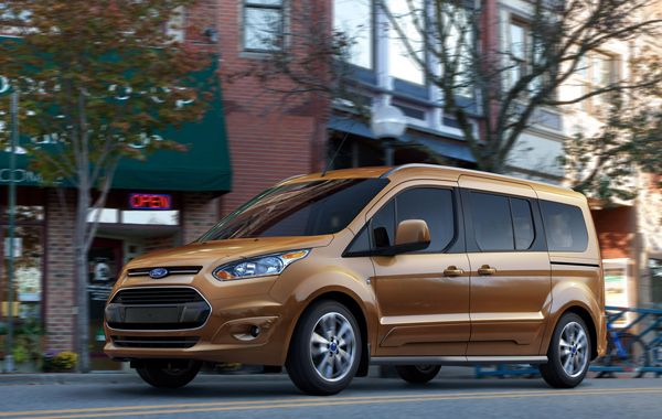 Plaats Voor Zeven Ford Grand Tourneo Connect Ford Lineup En Busje