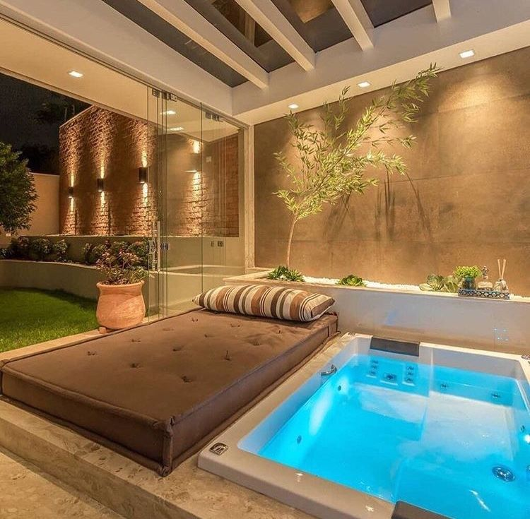 Pin By Lefa Mafa On Varandas E áreas Externas Hot Tub Room Modern Hot Tubs Indoor Hot Tub