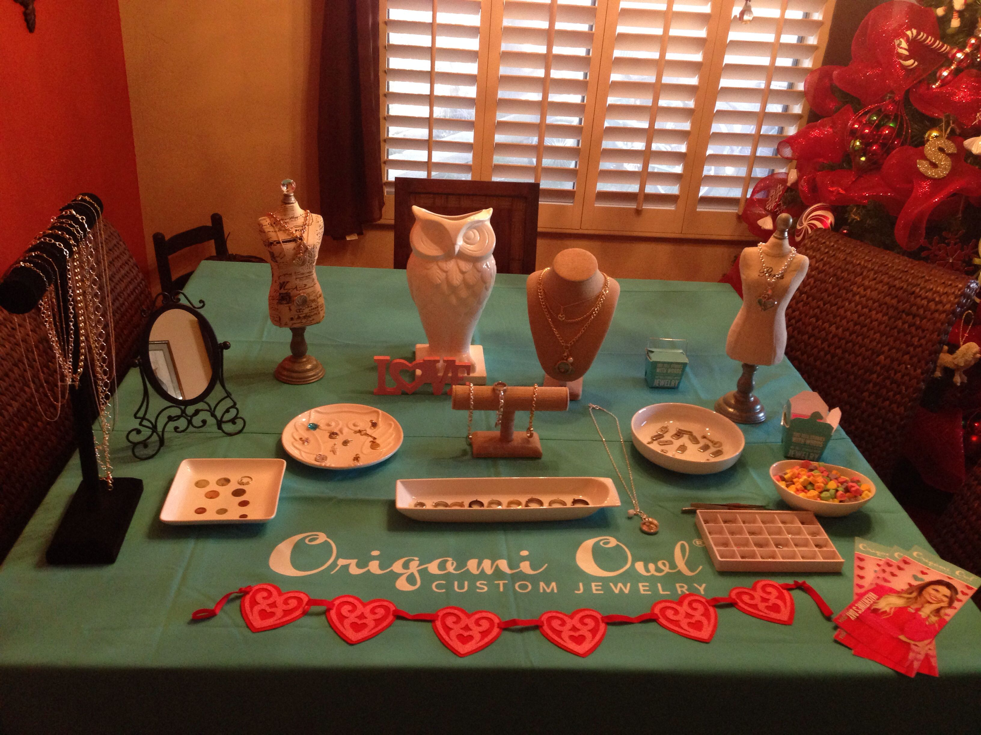 Origami owl Jewelry Bar set up, valentines day themed! Meghanclark.origamiowl.com