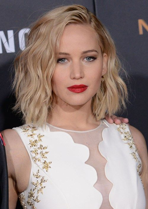 Jennifer Lawrence Side Part With Texture Hair Makeup