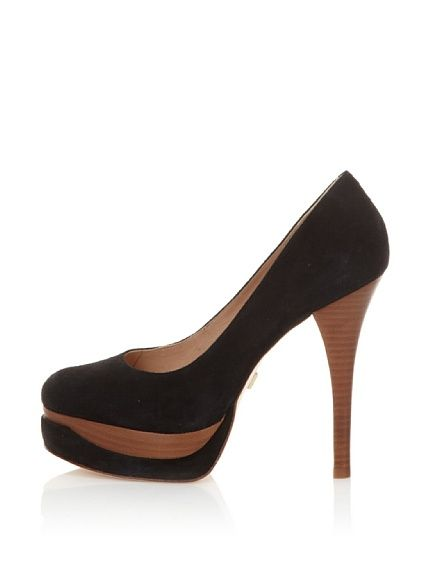 Black High Heels directly from the social shopping of Amazon: http://www.myhabit.com