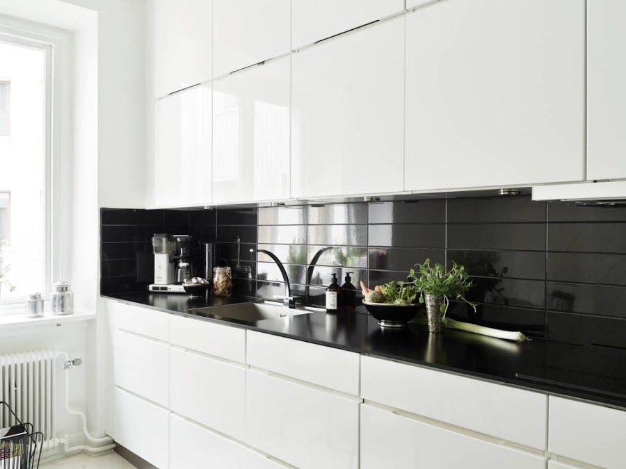 Ideas de revestimientos para las paredes de la cocina for Revestimiento de cocina con porcelanato