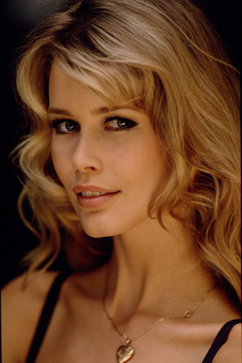 5f992cbf12 SEXY CLAUDIA SCHIFFER PHOTOS - Google Search