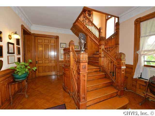 1892 Queen Anne Syracuse Ny George F Barber 209 900 Victorian Homes Old House Dreams Victorian Interiors
