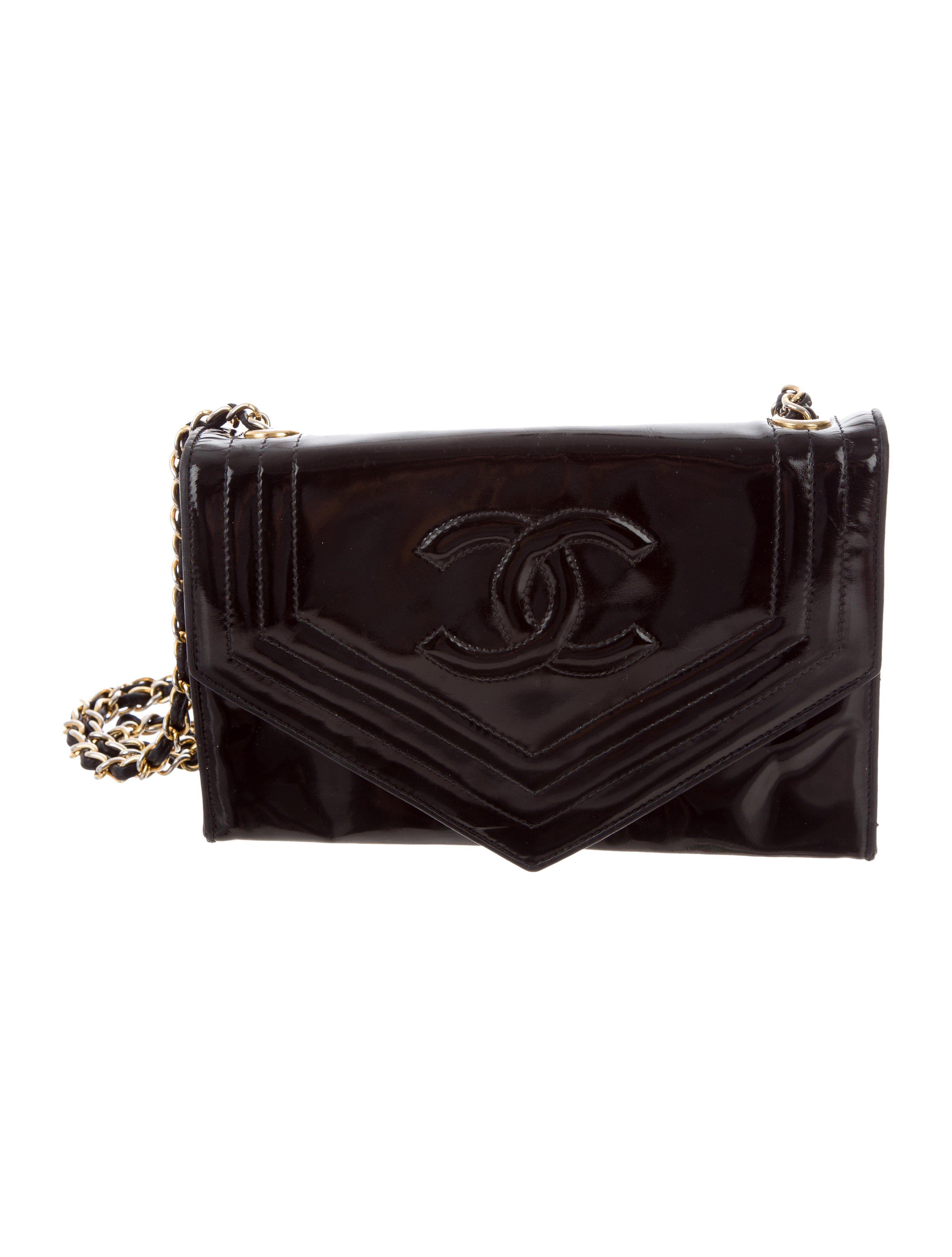 Chanel Vintage Envelope Flap Bag Handbags Cha217754 The Realreal Chanelhandbags Flap Bag Designer Crossbody Bags Bags