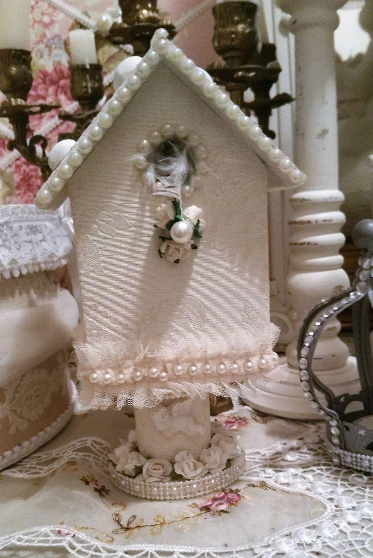 nichoir oiseaux en bois relook esprit shabby chic accessoires de maison par les intemporels. Black Bedroom Furniture Sets. Home Design Ideas