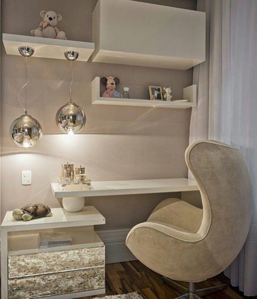 Adorei esse cantinho de estudo! Super delicado para o quarto de uma menina  #quartodesigndecor #olioliteam