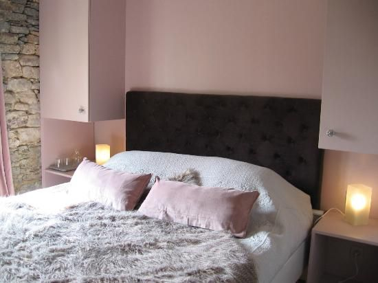 Plumeliau Photo une chambre revisitée en gris perlé  rose poudré