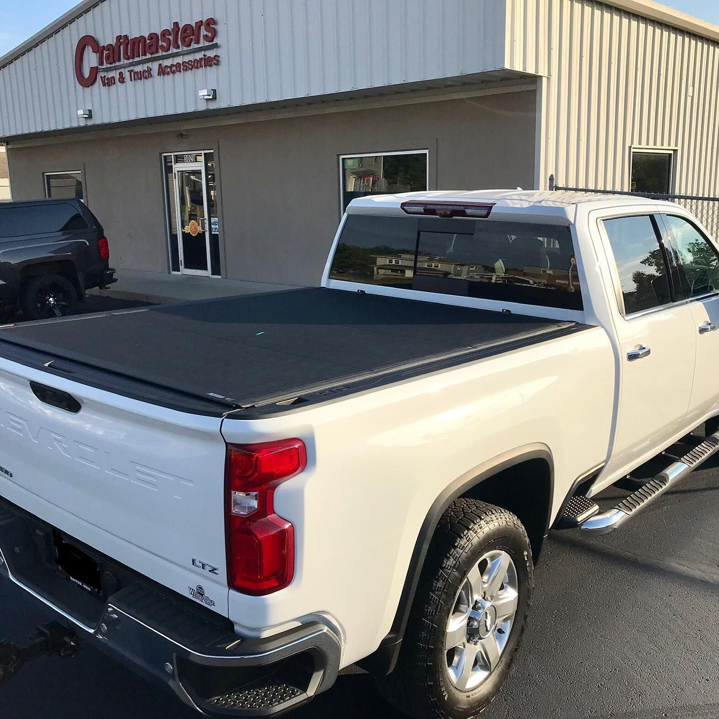 The New Extang Exceed tonneau cover on a 2020 Silverado