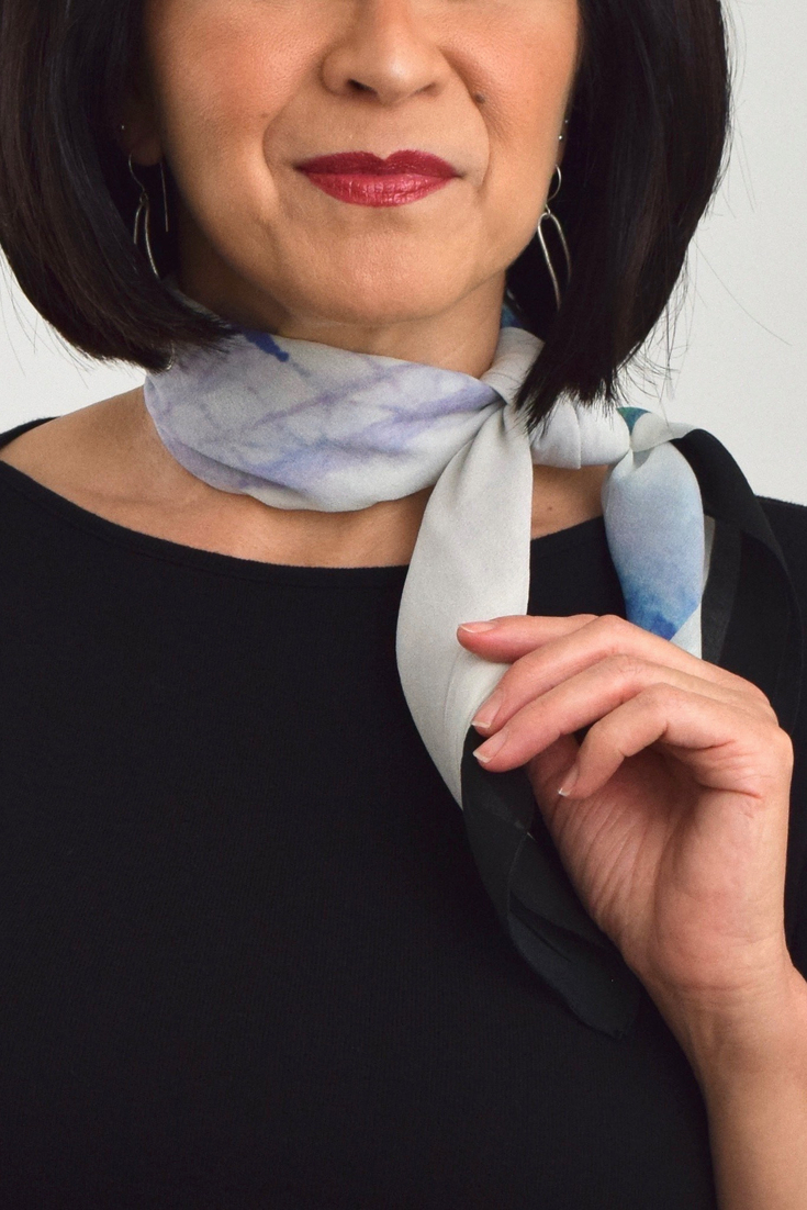 How to Style Neckerchief Scarves - 3 Chic, Simple Styles #businessattire