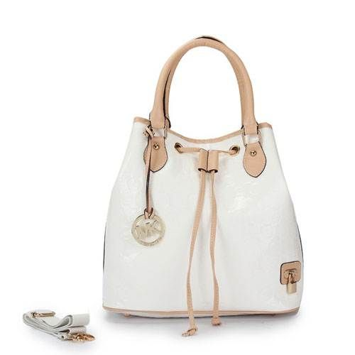 Michael-Kors-2012-new-arrival-Mirror-Monogrammed-Tote-Bag-White.jpg (500×500)