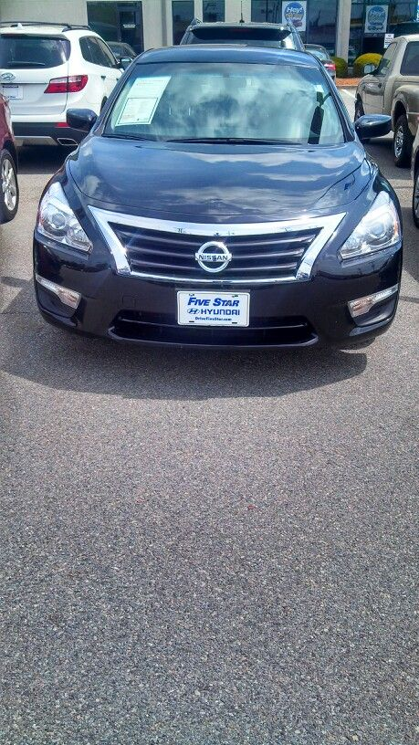 2013 Nissan Altima 38k miles 17495 Call Kevin Dickson