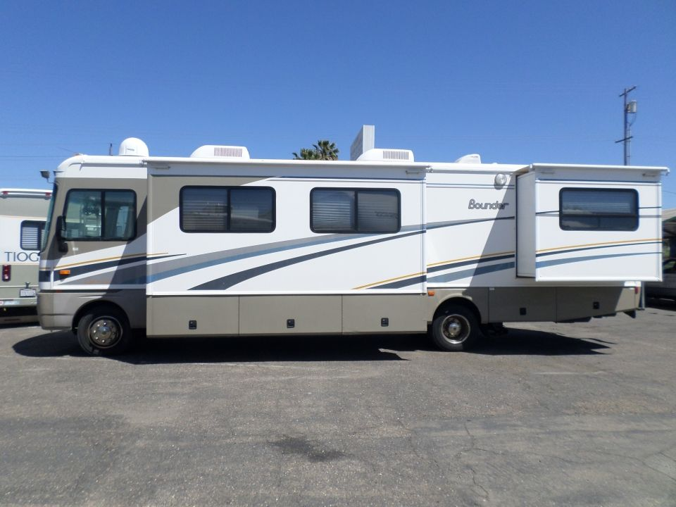 Rv For Sale 2004 Fleetwood Bounder Class A Motorhome 34 In Lodi Stockton Ca Rv For Sale Motorhome Fleetwood Bounder