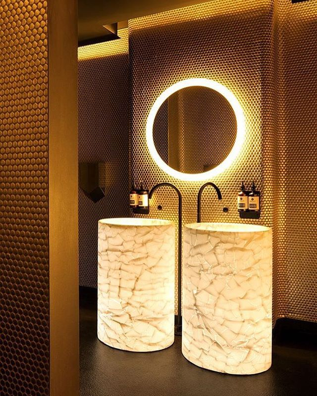How stunning is this!!! #bathroomporn  #architecture #homedesign #lifestyle #style #buildingdesign #landscapedesign #conceptdesign #interiors #decorating #interiordesign