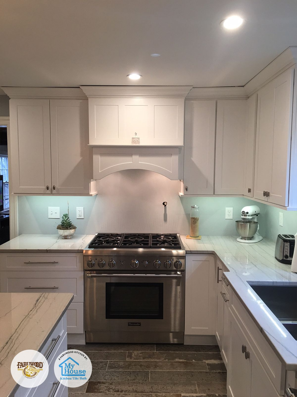 From The Beautiful Lighting To The Spectacular Backsplash My House Kitchen Tile Bath Located In Union Nj Can Fabuwood Cabinets Kitchen Kitchen Cabinetry