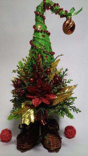 Очаровательная елочка -топотушка станет оригинальным и изысканным новогодним подарком.