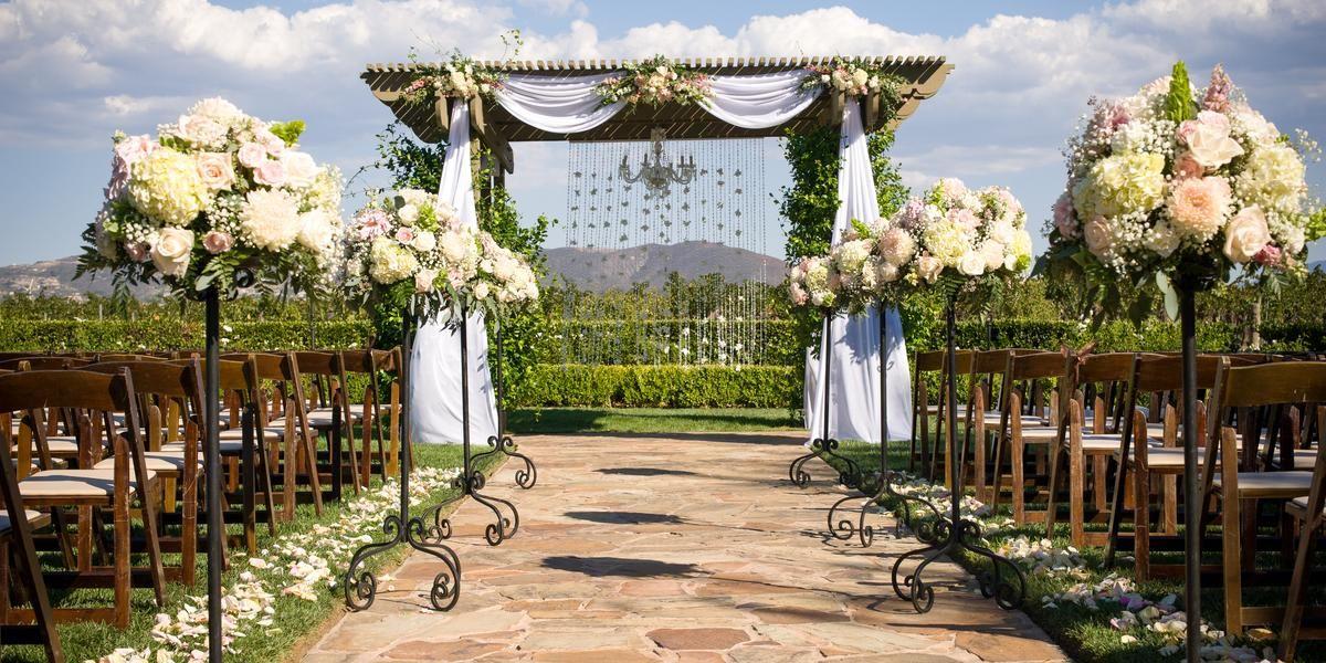 Gorgeous Ceremony Setting With Vineyard View Www Winewedsandmore Com California Wedding Venues Southern California Wedding Venues Temecula Wedding Venues
