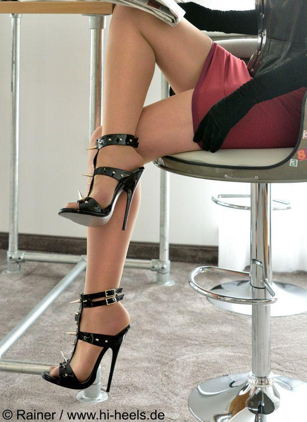 Schwarze Extrem Lack Leder Sandals Mit Lackiertem Empire Absatz 0