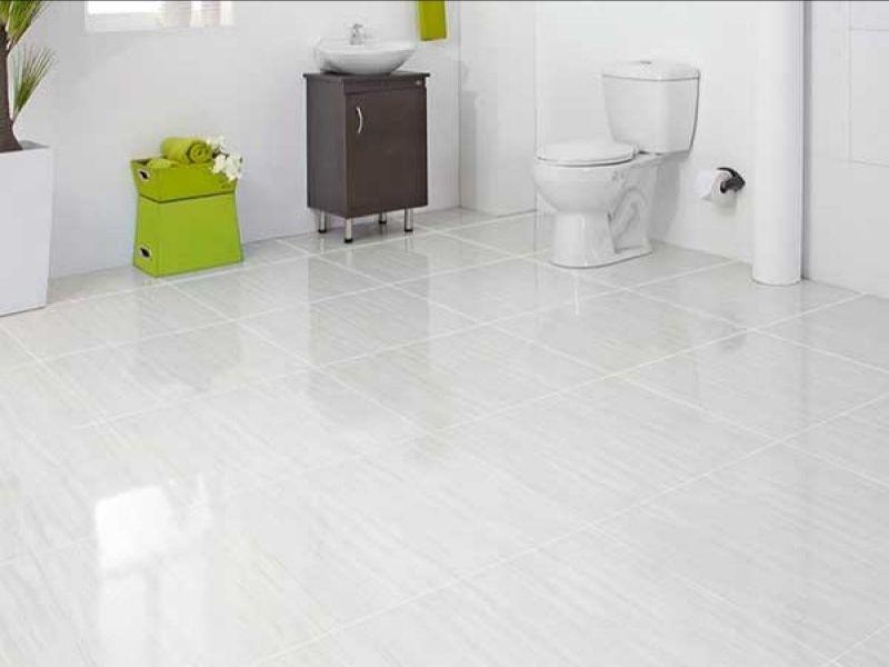 طريقة تنظيف الحمام وتطهيره حسب نصائح الأطباء Flooring Tile Floor