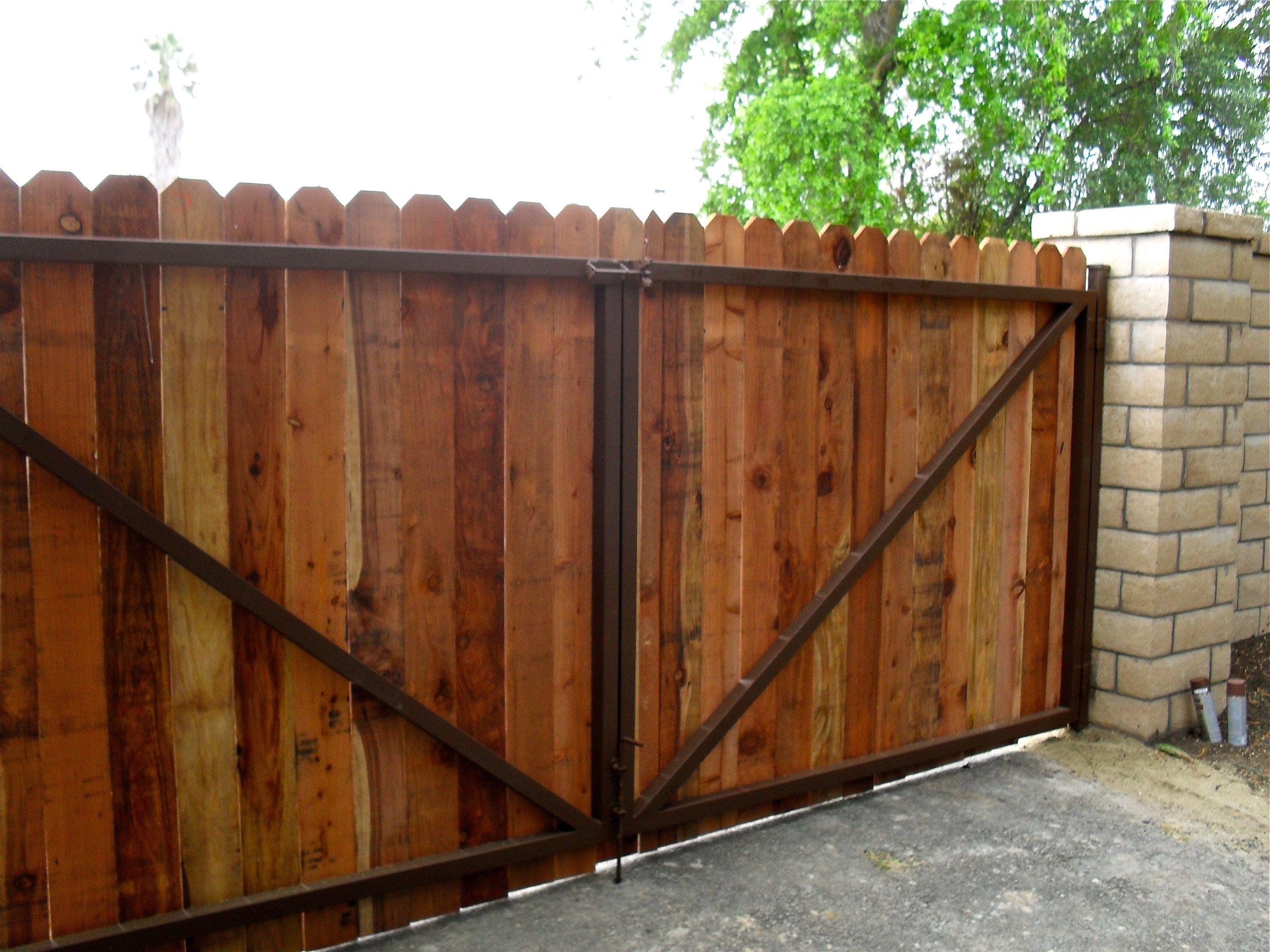 Gate Rustic Outdoor Design With Wooden Gate Designs Funkyg Within Wooden Driveway Gate Designs Woode Wood Fence Design Wood Gates Driveway Fence Gate Design