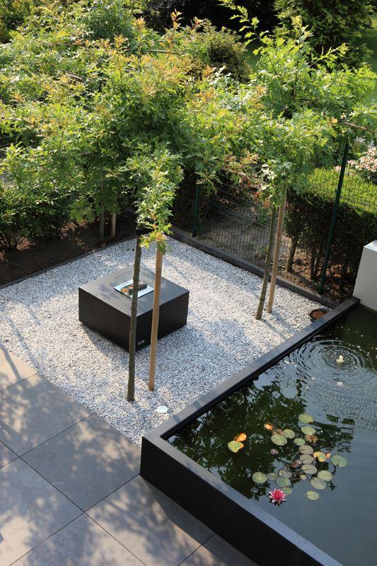 Waterpartij In De Tuin.Moderne Strakke Tuin Met Beton Grind En Verhoogde