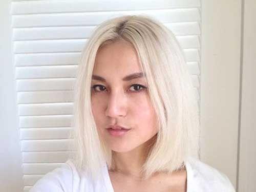 Straight Short Bleach Blonde Hair Jpg 500 375 Bleach Blonde Hair Cool Short Hairstyles Short Hair Styles
