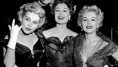 Early Photo Of The Gabor Sisters Ava Magda And Zsa Zsa Ava Seems To Be Making A Modern Hand Gesture
