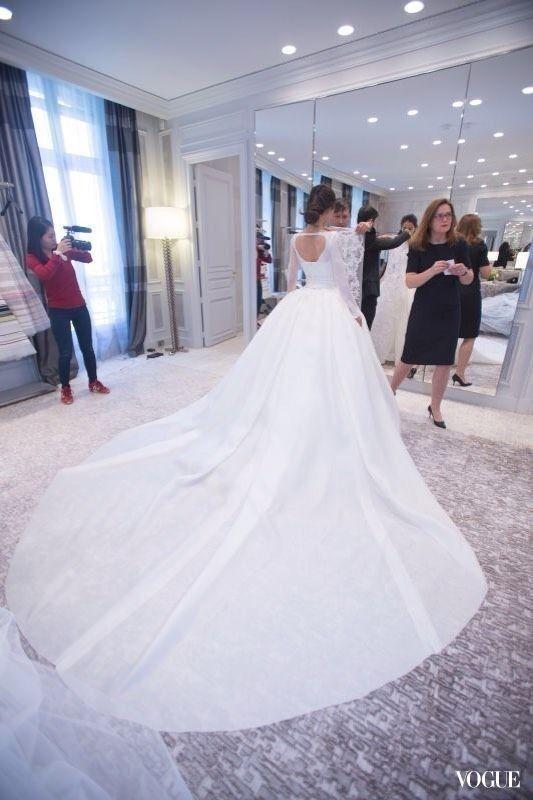3a594f8f1c4 黃曉明Angelababy世紀婚禮登場!Angelababy高級訂製婚紗由Dior一手包辦 ...