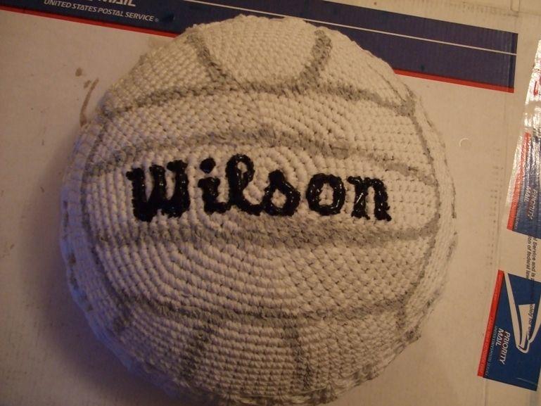 love the creativity knit or crochet volleyball - Hakelmutzen Muster