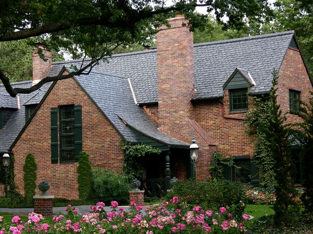 Davinci Roofscapes Bellaforte Slate And Shake Roofing Tiles Synthetic Slate Roofing Red Brick House Roof Colors
