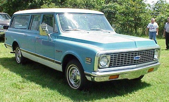 1972 Suburban With Highland Interior In Blue Suburban Chevy Suburban Chevy Vehicles