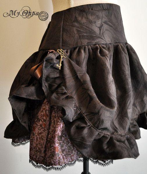 Mini jupes, Jupe steampunk violet/ marron relevable est une création orginale de myoppa sur DaWanda