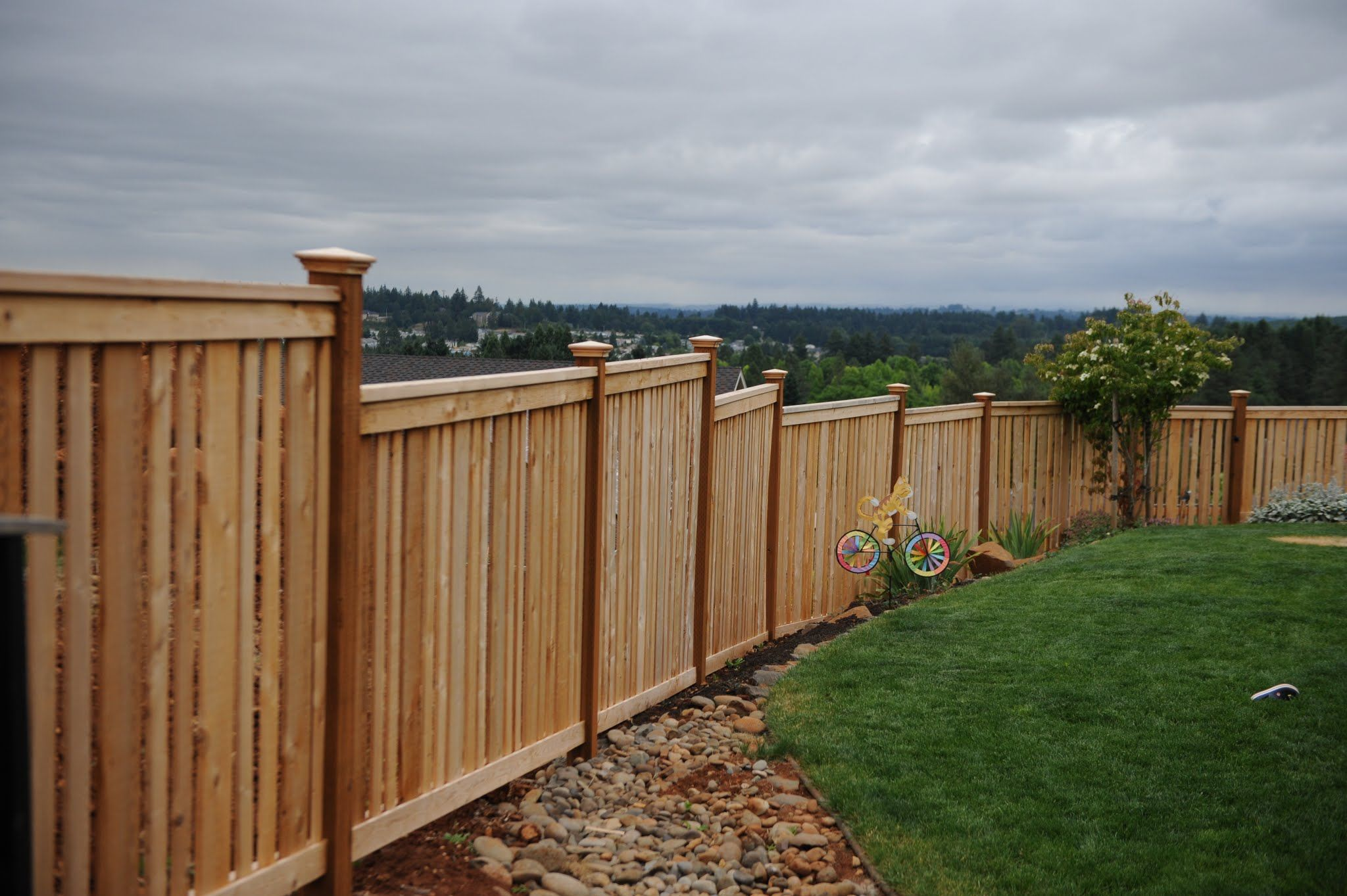 Cedar Wood Fences Oregon Washington Rick S Custom Fencing Decking House Fence Design Fence Design Backyard Fences