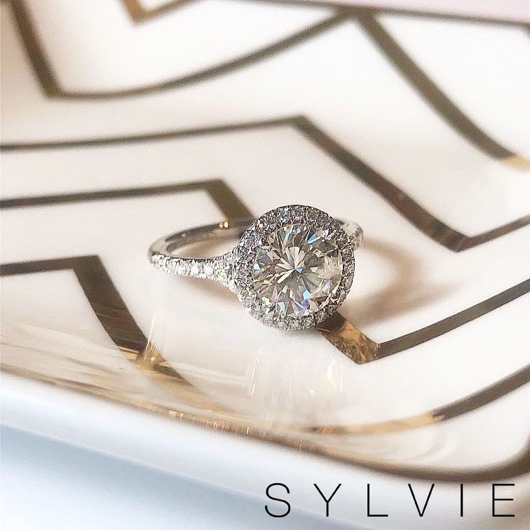 Verragio S Distinctive Styling Has The Wow Factor This Is The Verragio Parisian 139r With Images Designer Engagement Rings Verragio Engagement Rings Engagement Rings