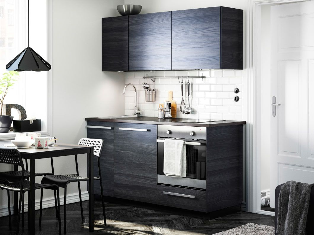 Moderni tummas vyinen keitti jossa tingsryd ovet for Modern kitchen cabinets for small kitchens