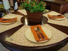 resultado de imagen para modelos de manteles para mesas redondas pequeas