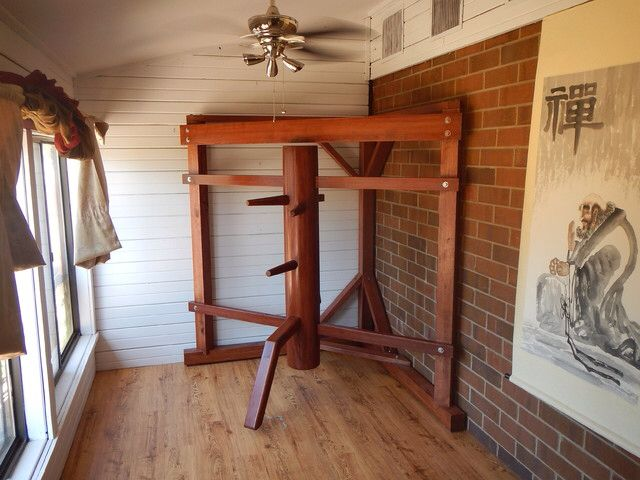 Different dummies - Wing Chun. Like the frame but the arms look way too wide.