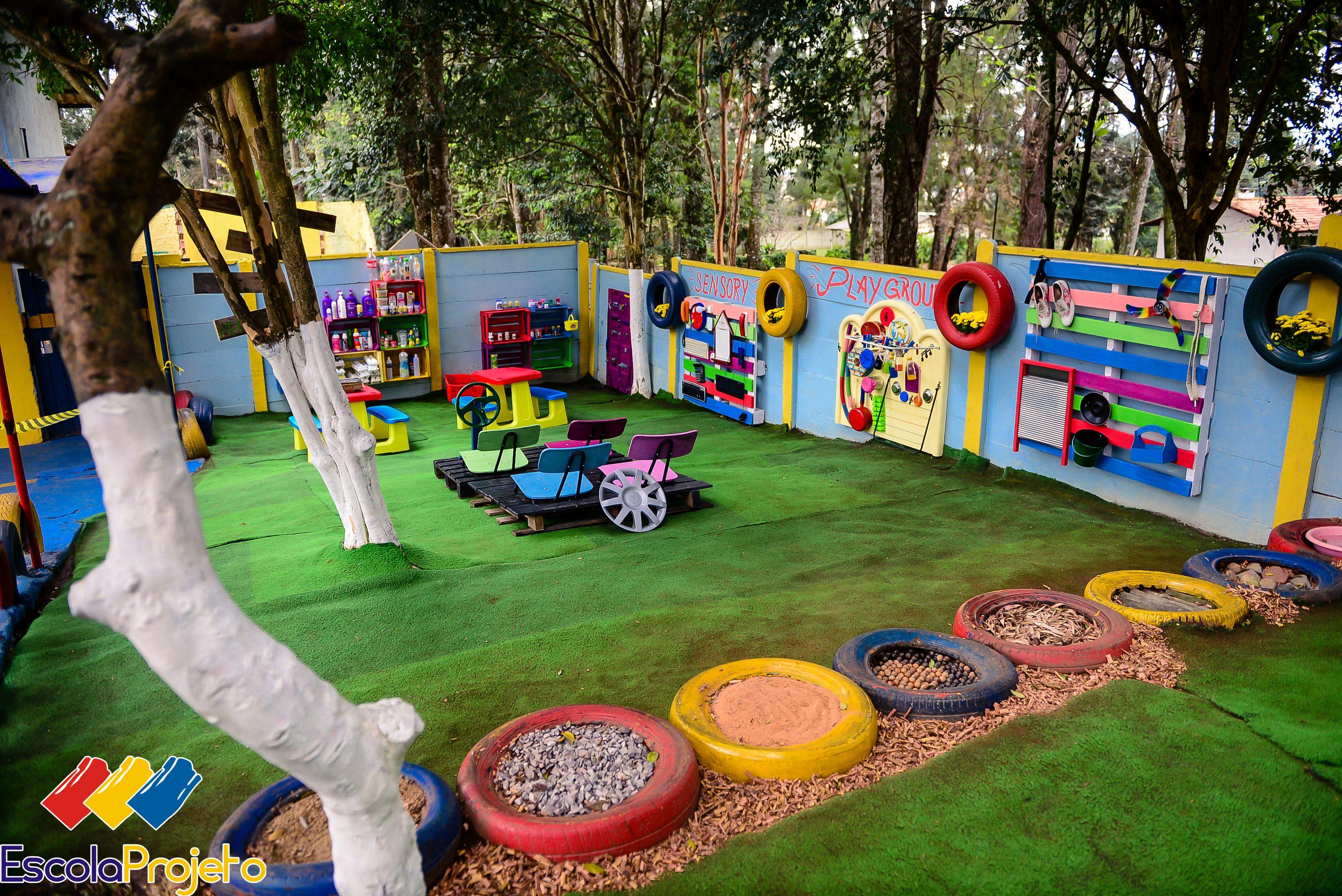 Parque Sensorial Sensory Playground Escola Projeto Lápis De Cor Curitiba Brasil Patio De Niños Recreo Al Aire Libre Para Niños Patios De Recreo