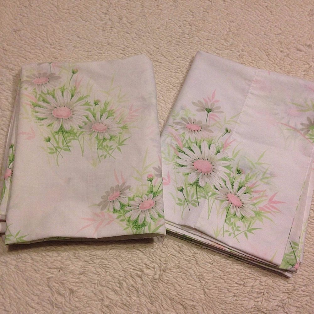 vtg percale pillowcases pair set springmaid pink daisy floral shabby retro bed retro bedvintage beddingpink
