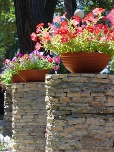 Potted plants for spring flowers pinterest spring flowers idea for decorating with flower pots without flowers potted spring flowers beautify cramped areas mightylinksfo