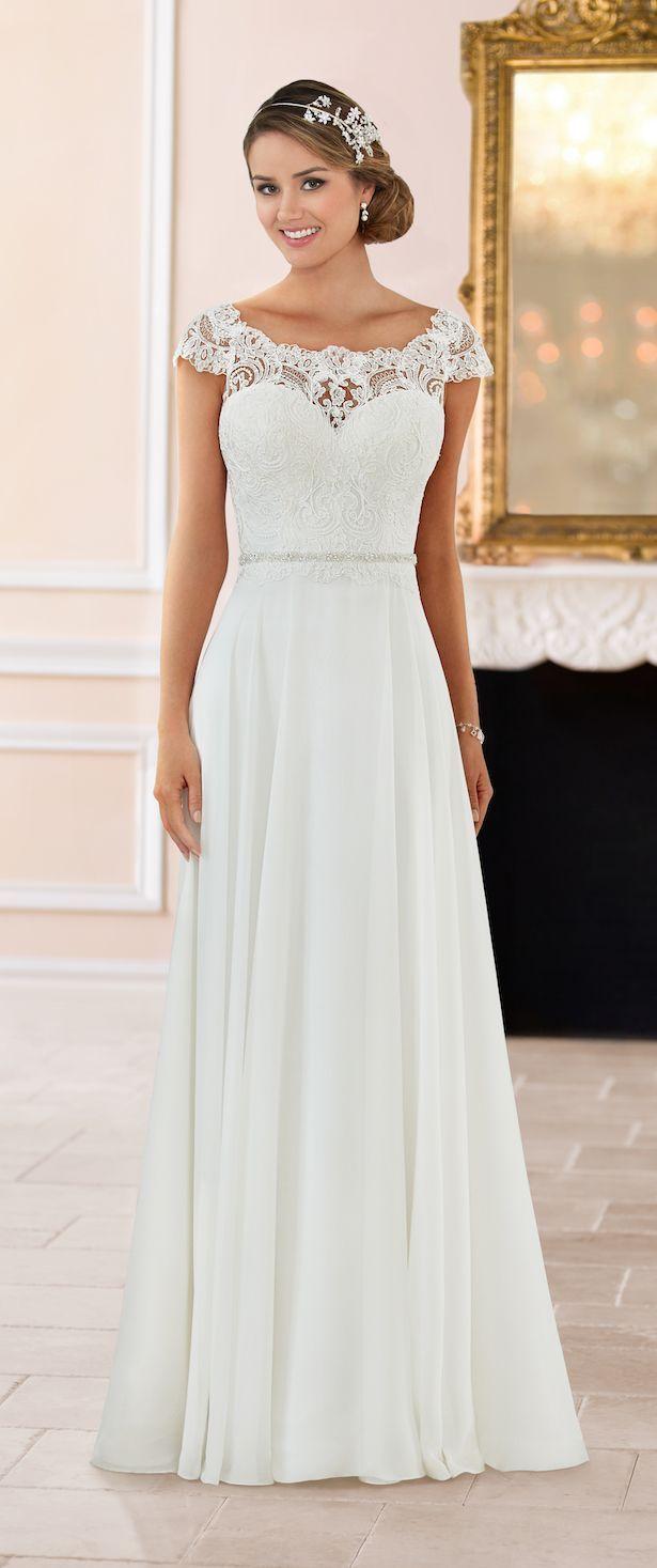 Brudekjole af Stella York Forår 2017 Brudesamling,  #brudekjole #Brudesamling #Forår #Stella #York