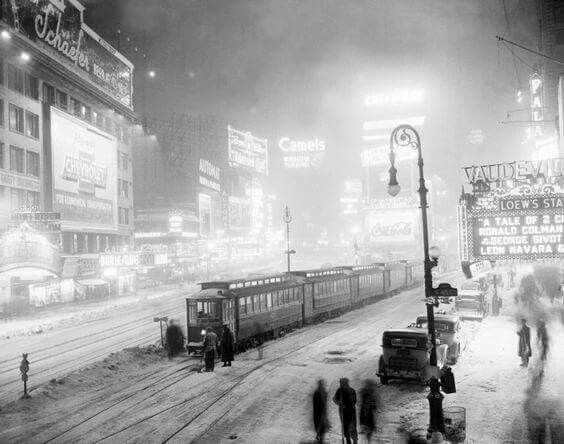 A freak snowstorm in 1936 leaves passengers stuck in Times Square after a frozen switch brings streetcars to a screeching halt.