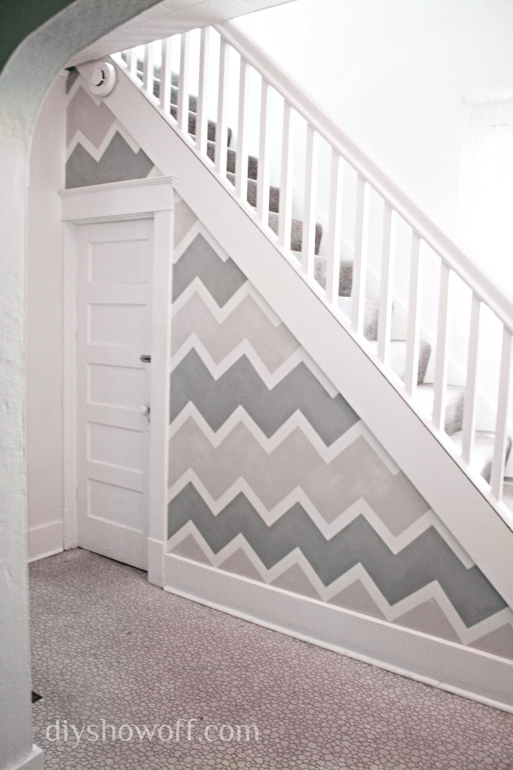 painting a funky entryway wall design using frogtape | chevron