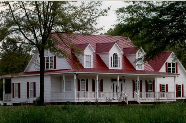 Pin By Tamela Sutler On Dads Barn Metal Roof Houses House Roof Farmhouse Exterior Colors