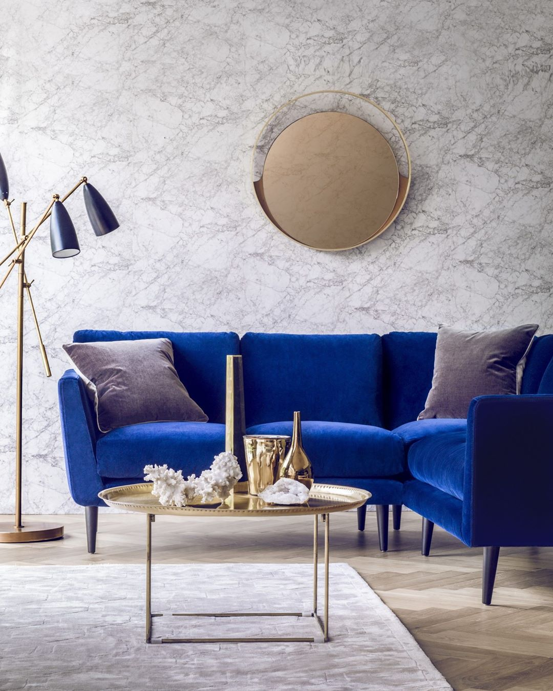 Dcorstore On Instagram Inspiration Of The Day A Pop Of Color For A Bright Living Room In Love With Blue Living Room Sofa Blue Couch Living Blue Home Decor