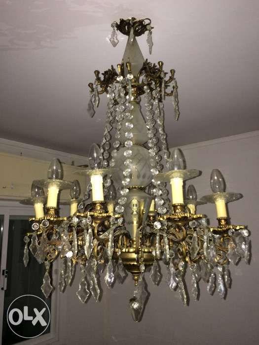 100 €: Candeeiro de Cristais de vidro com 12 lâmpadas.  Um artigo elegante e requintado.