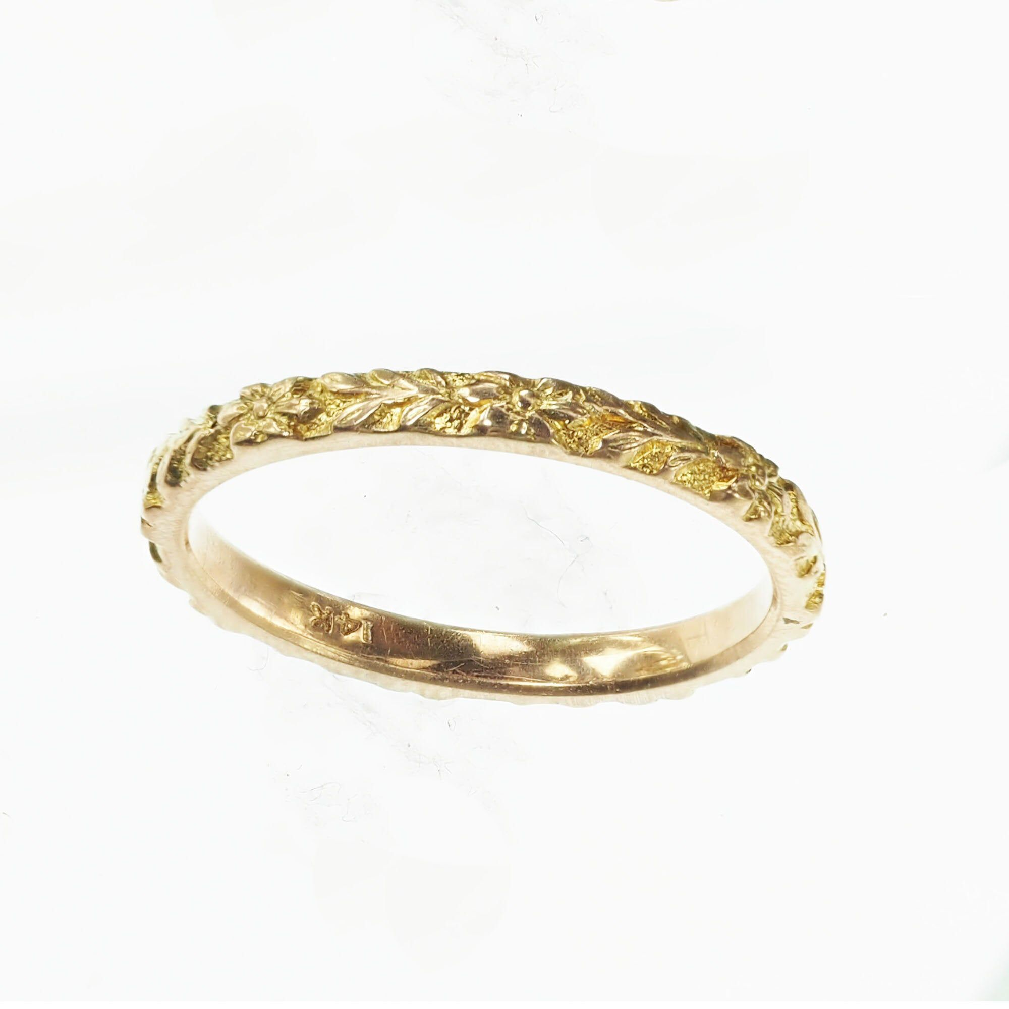 Vintage 1940s 14k Yellow Gold Engraved Orange Blossom Stackable Band