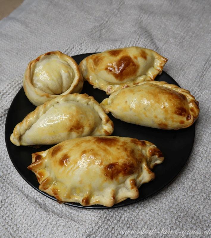 Empanadas mit drei Füllungen