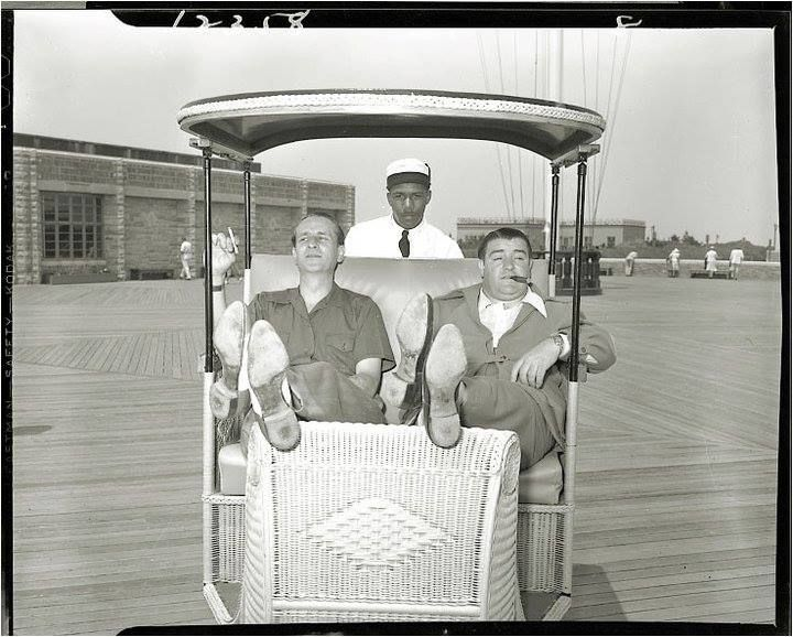 A Rare Vintage Press Shot Of Comic Legends Bud Abbott And Lou Costello Being Shown Around Atlantic City Nj By C Classic Comedies Abbott And Costello Bud Abbott